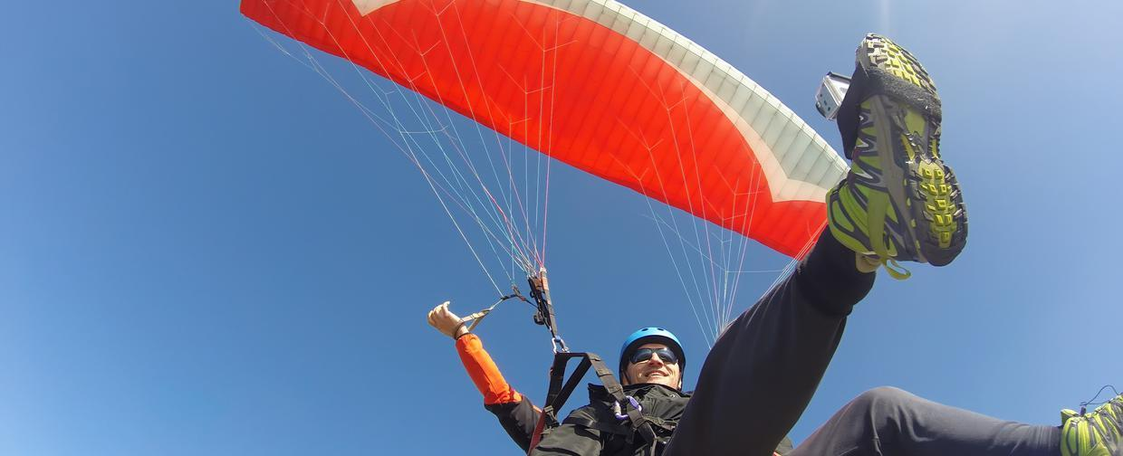 Do you paraglide or hang gliding? Take off here!